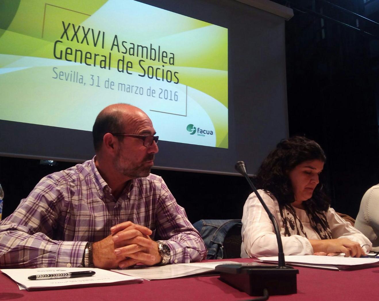 Los socios de FACUA Sevilla reeligen a Manuel Baus presidente para los próximos cuatro años