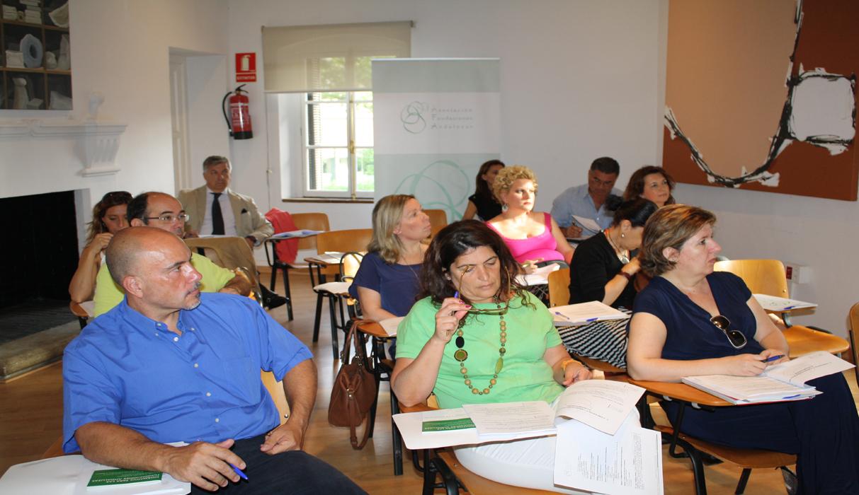 Miembros de la Fundación FACUA asisten a un seminario de AFA sobre administración de fundaciones