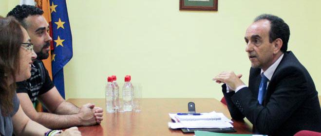 FACUA Andalucía se reúne con el consejero de Turismo y Comercio para avanzar en protección de los usuarios