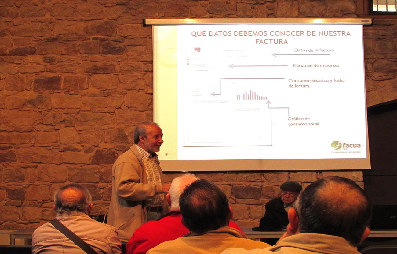 FACUA Jaén desarrolla un taller sobre la factura de la luz y los sistemas actuales de comercialización