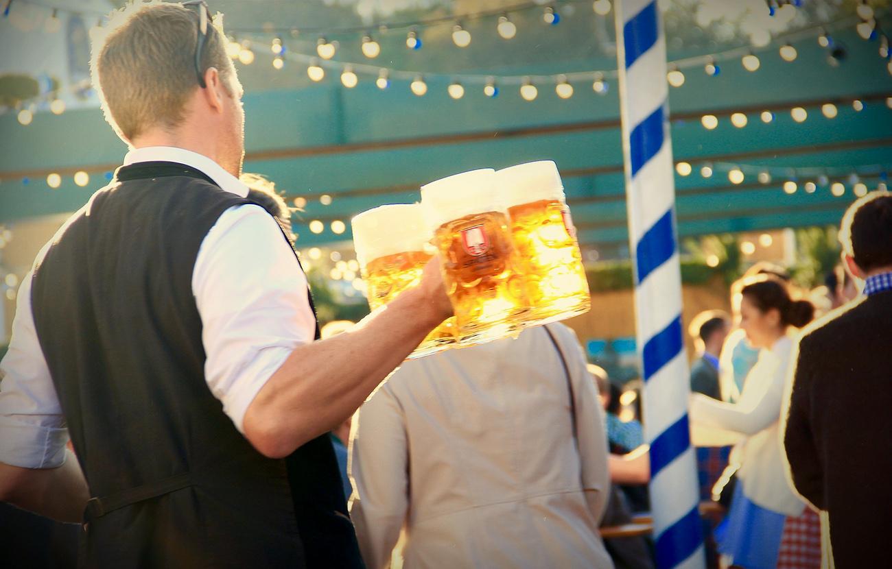 Detectan restos del herbicida glifosato en catorce marcas de cerveza alemanas