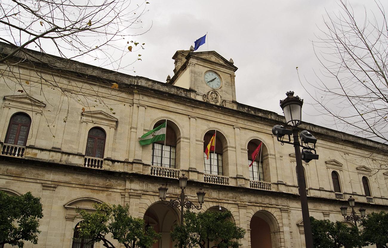 FACUA Sevilla ve raquítica la partida de protección a los consumidores de los presupuestos municipales