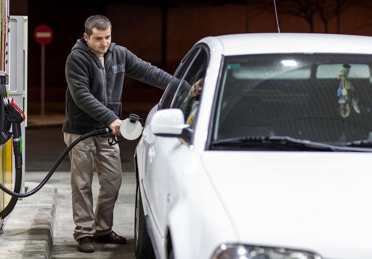 FACUA Madrid reclama al Gobierno de la Comunidad que acabe sin demora con las gasolineras desatendidas