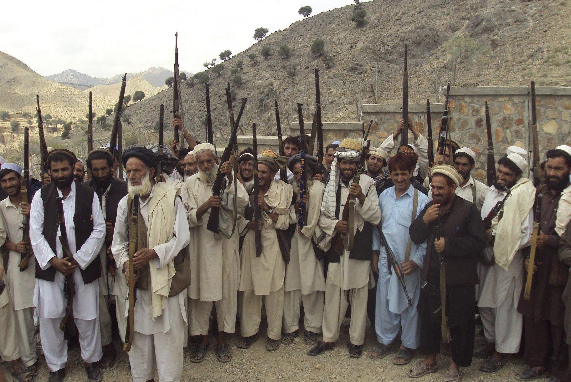 El origen de la actual situación hay que buscarla en el surgimiento de Al Qaeda fomentado por la ayuda de EEUU en plena guerra fría para luchar contra los soviéticos en Afganistán desde 1979.