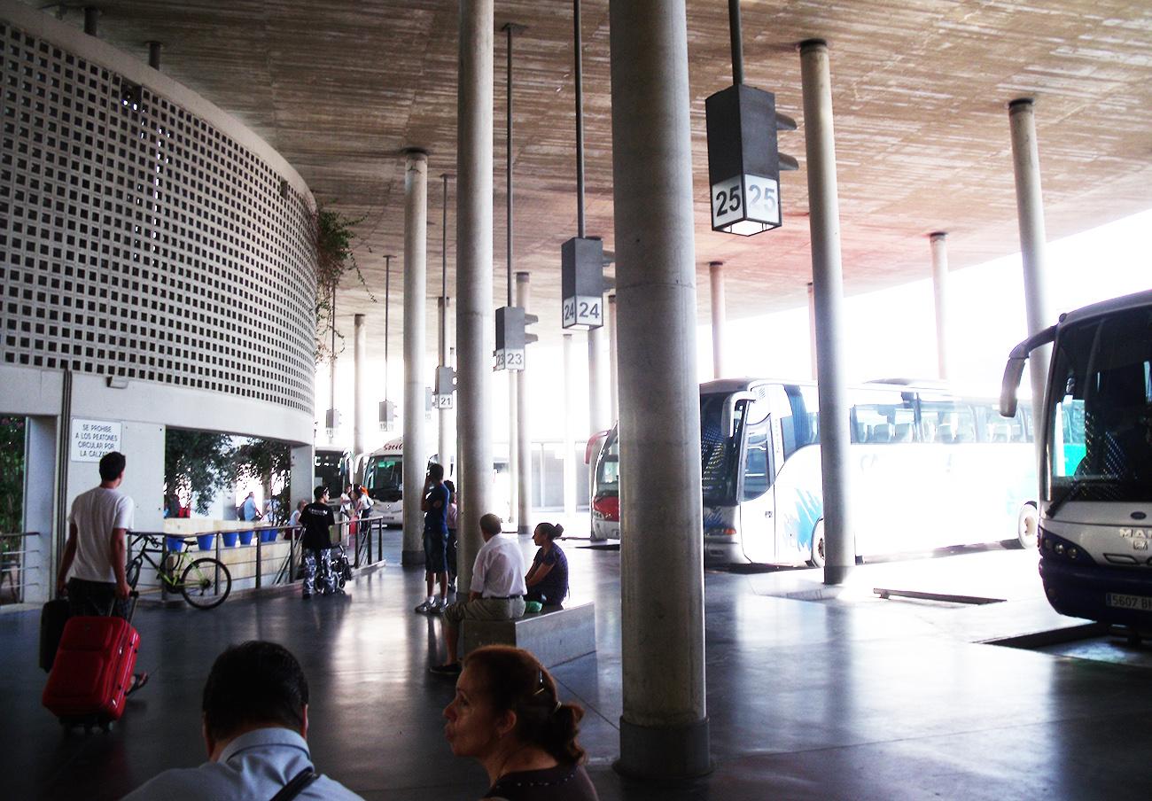 FACUA Córdoba se queja ante el Defensor del Pueblo Andaluz por las faltas de la estación de autobuses