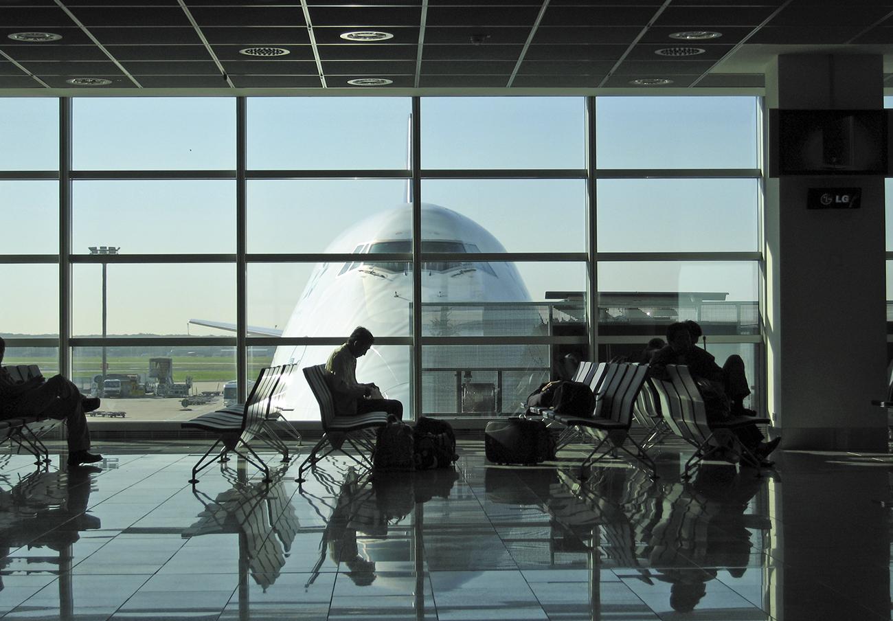 Las aerolíneas deben abonar comida y hotel a los afectados por la huelga de controladores franceses