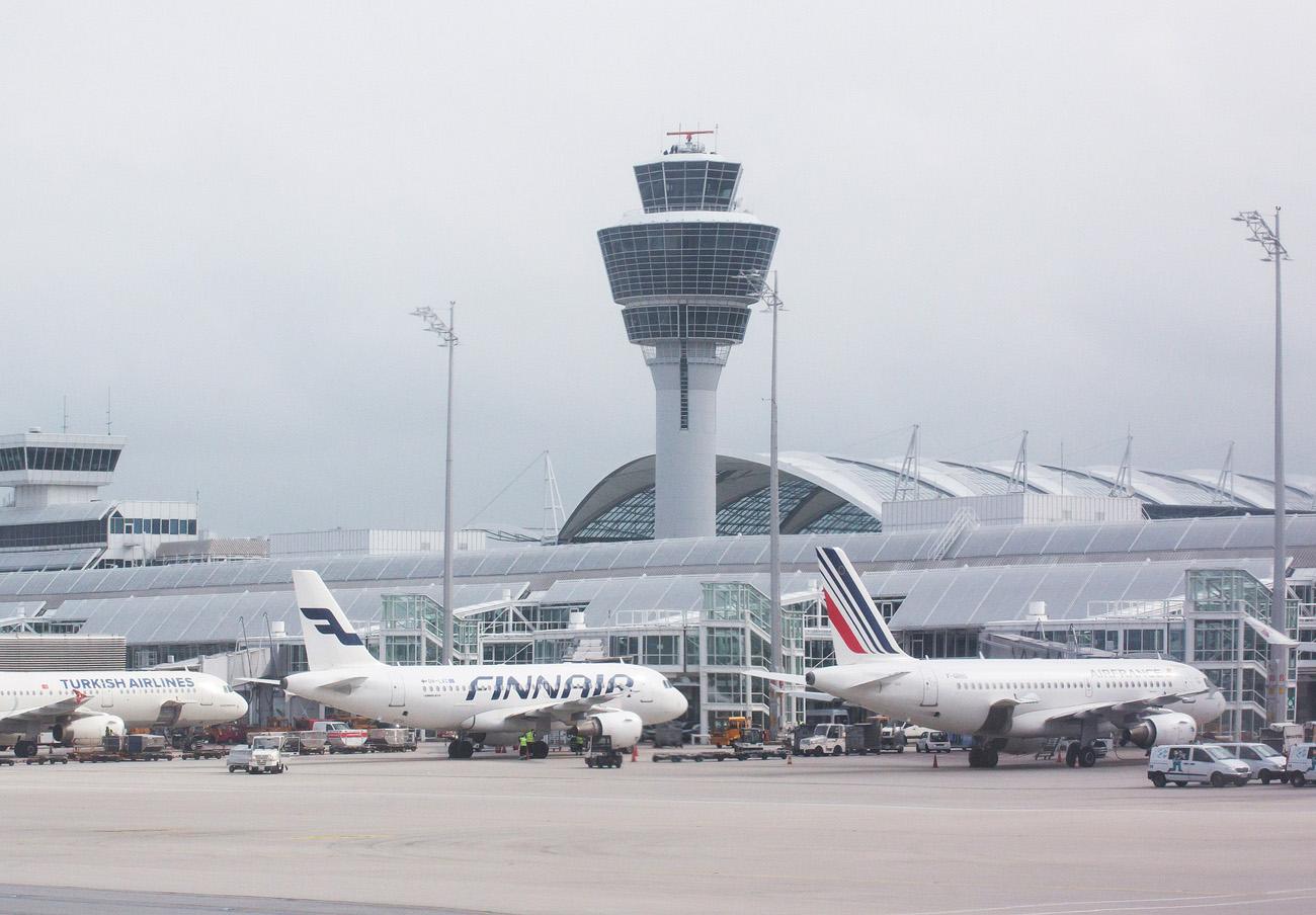 Cancelados 275 vuelos en Espa�a por la huelga de controladores franceses