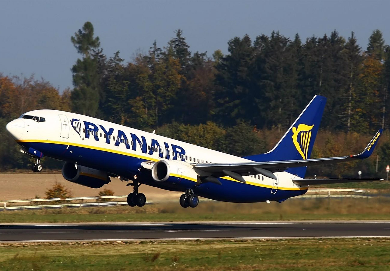 Pasajero en silla de ruedas denuncia que Ryanair pretendía que se arrastrase hasta el avión para embarcar