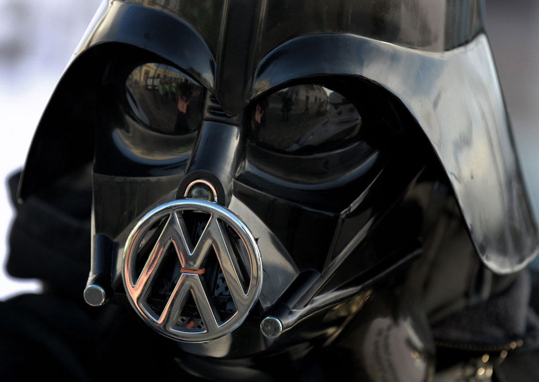 Imagen de la campaña de Greenpeace contra las emisiones contaminantes de Volkswagen.