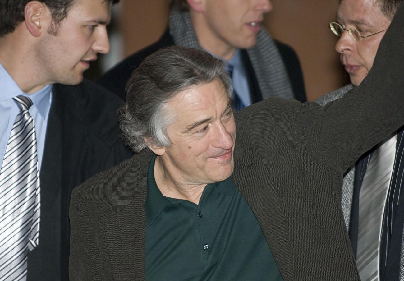 De Niro da marcha atrás y no proyectará la película contra las vacunas en Tribeca