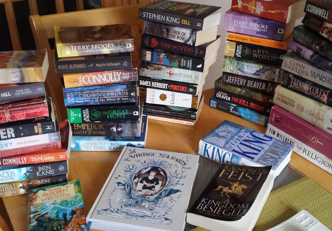 FACUA Madrid logra que un juez anule por fraude un contrato de venta de libros a domicilio a una anciana