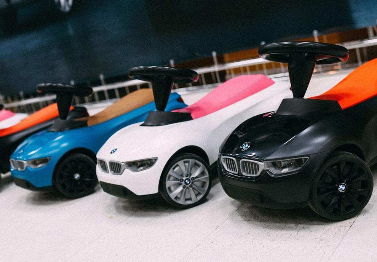 FACUA alerta del riesgo de asfixia para niños en un BMW de juguete por una pieza pequeña mal sellada
