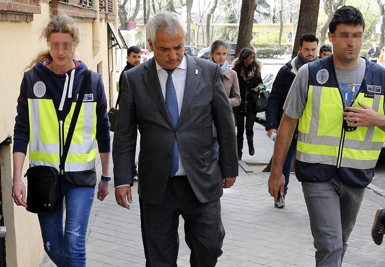 """Pedraz se�ala como """"testaferros"""" a  ocho imputados en un nuevo auto del caso Ausbanc y Manos Limpias"""