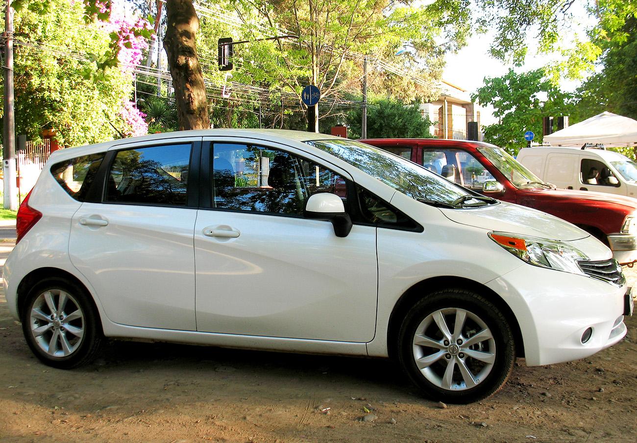 FACUA alerta de la llamada a revisión de los Nissan Note E11 y Tiida C11 por problemas con el airbag