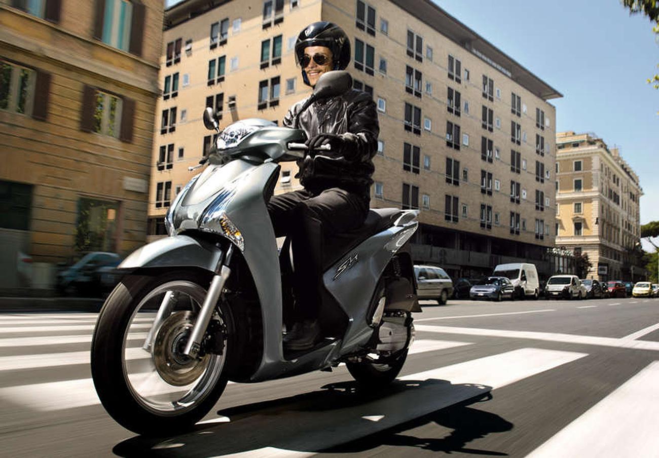 FACUA alerta de la llamada a revisión de las motos Honda SH125 y 150 por fallo en la bomba de combustible