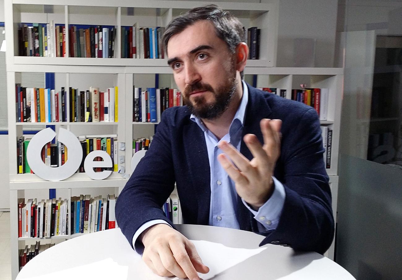 El director de eldiario.es presume de exclusivas como las Tarjetas black o los whatsapp de los reyes. | Imagen: J.J. Montero.
