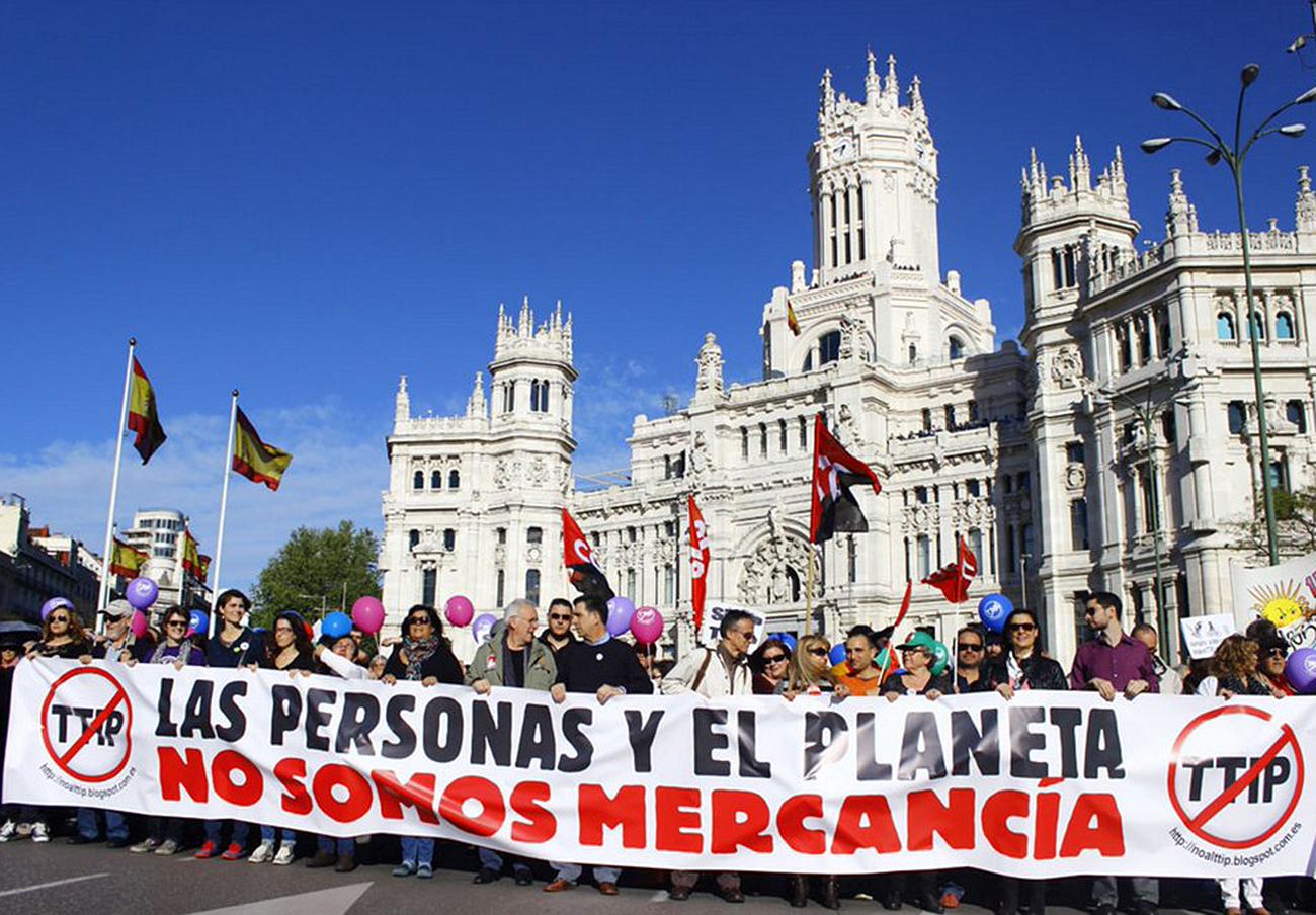 En la imagen, manifestación reciente en Madrid en contra del TTIP. | Imagen: Twitter.com.