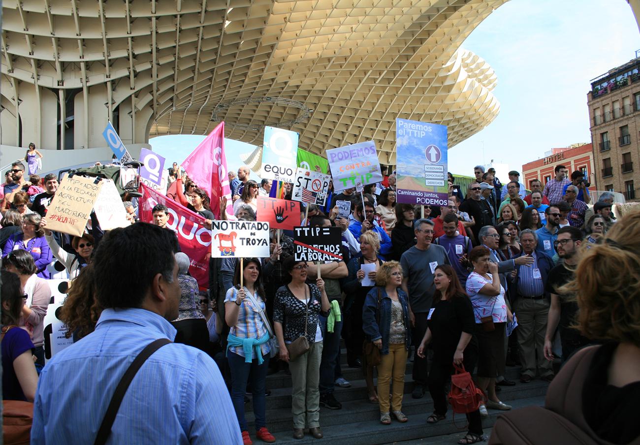 Sevilla es una de las ciudades españolas que ha aprobado una moción contra el TTIP. | Imagen: Ángeles Castellano-FACUA.