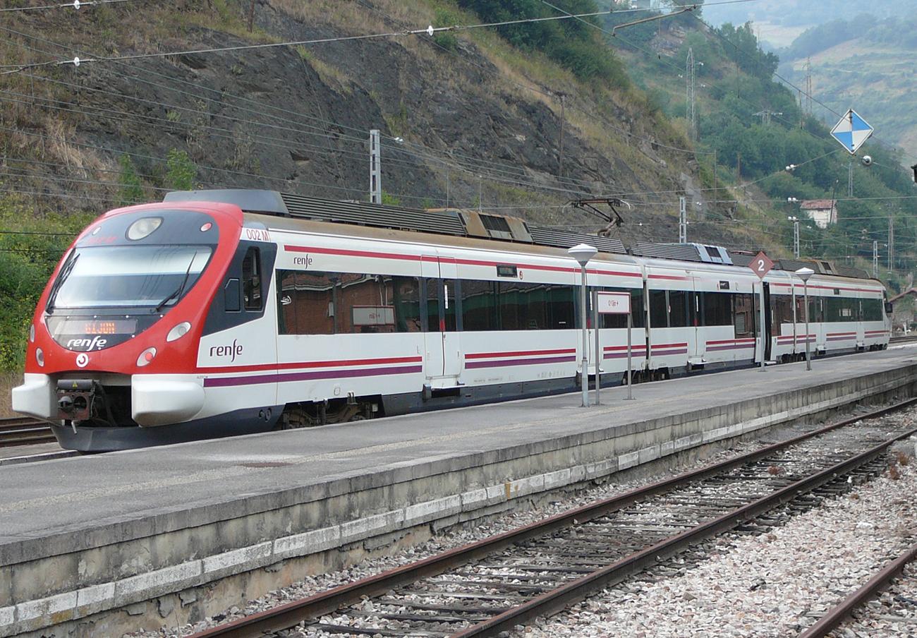 FACUA reclama a Renfe que permita más medios de compra de billetes para los Cercanías en Asturias