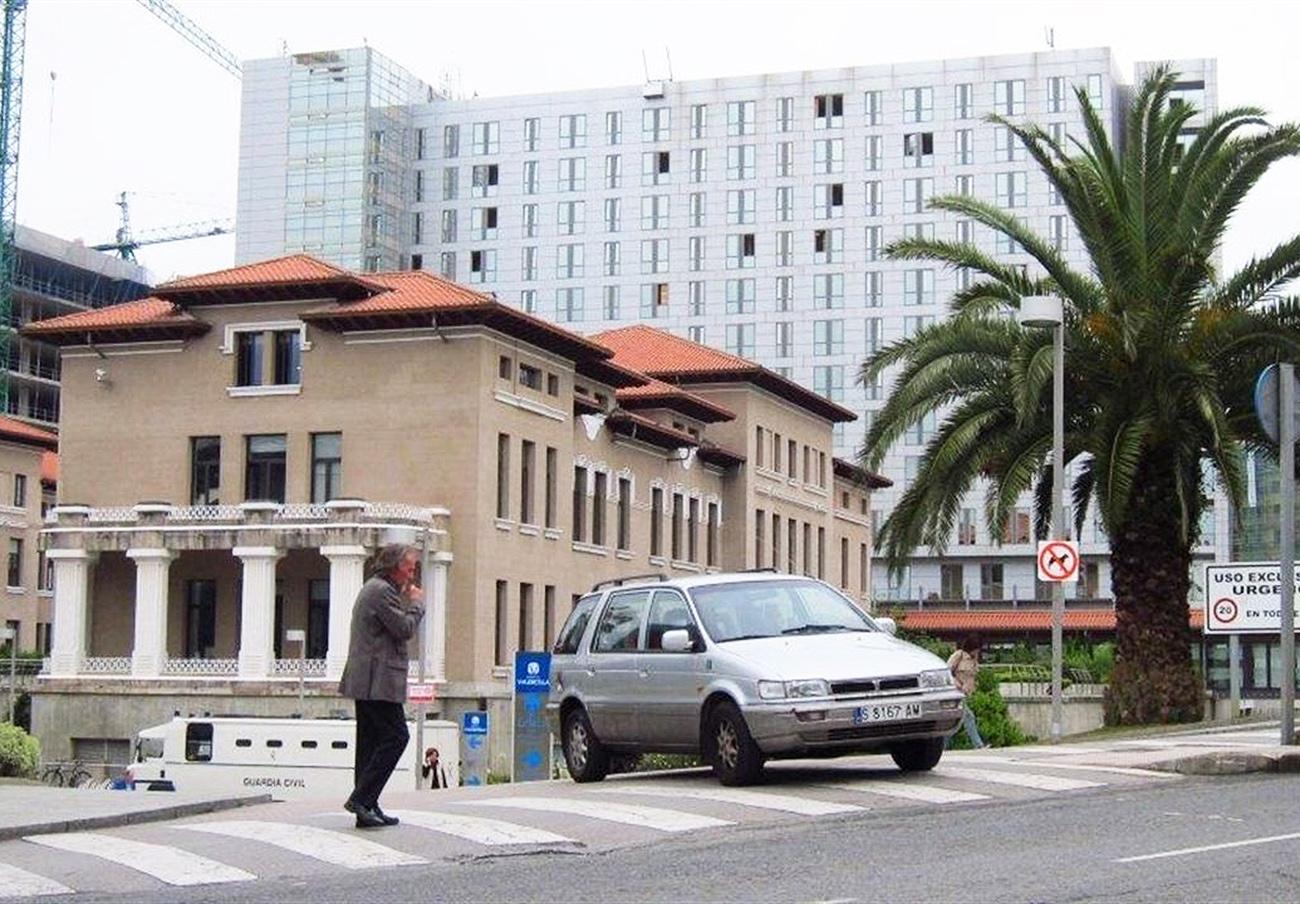 FACUA reclama información al Gobierno de Cantabria sobre el cierre de camas en Valdecilla y Liencres