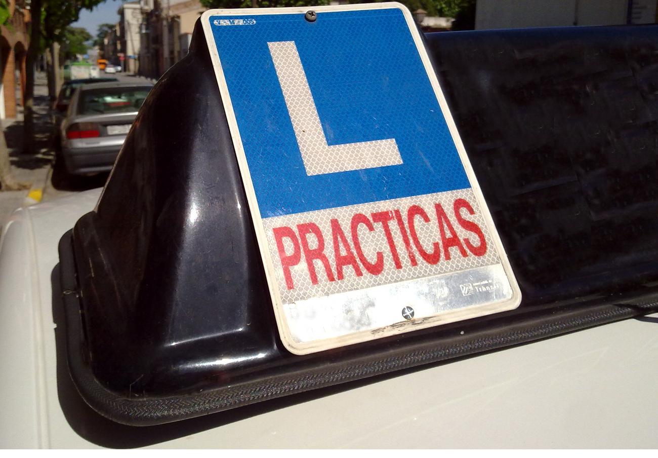 Expediente sancionador a autoescuelas de Murcia por posible pacto de precios, tras la denuncia de FACUA