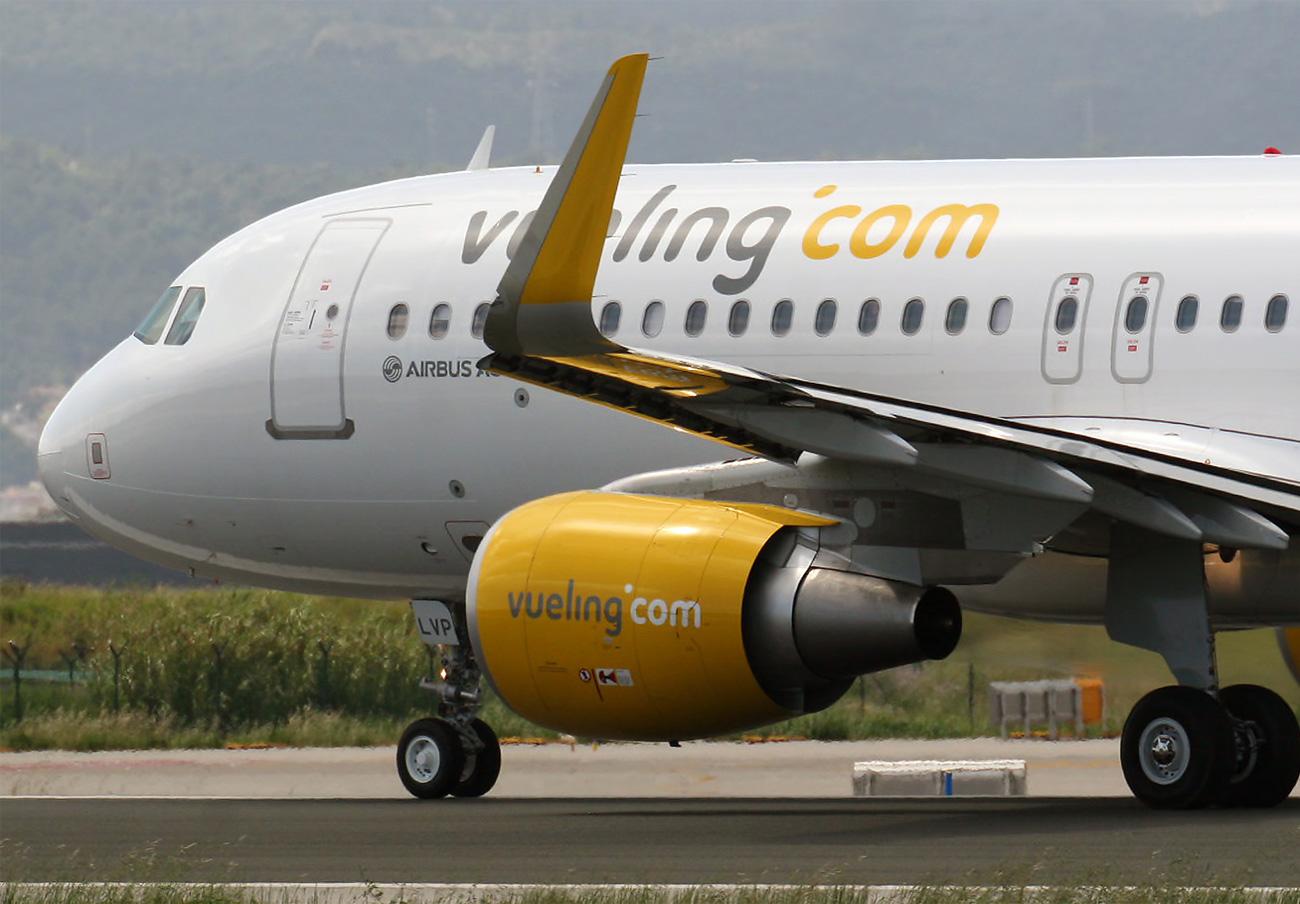 FACUA denuncia a Vueling ante la AESA por no reembolsar el billete de los vuelos cancelados