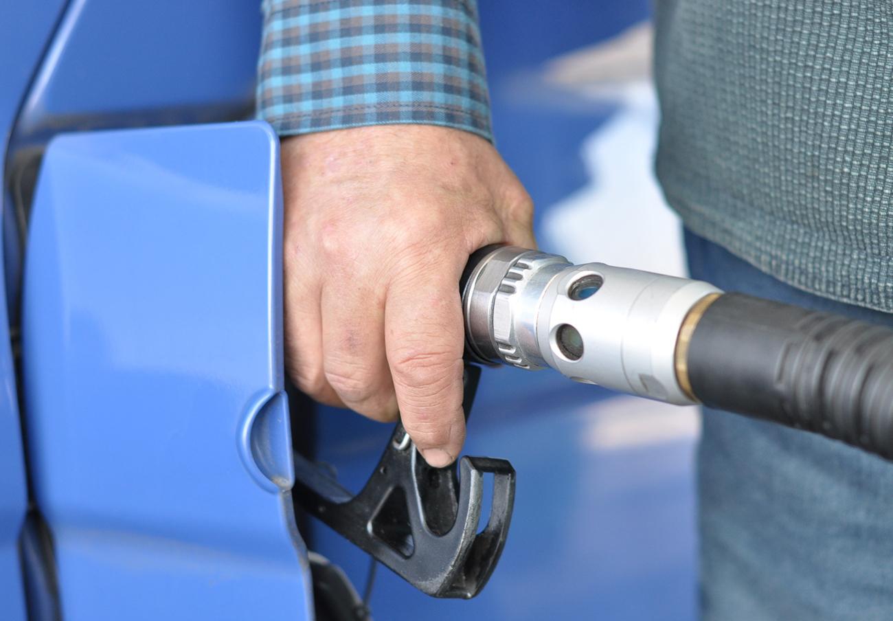 FACUA Andalucía pide a la Junta que no eluda su obligación de control sobre las gasolineras desatendidas