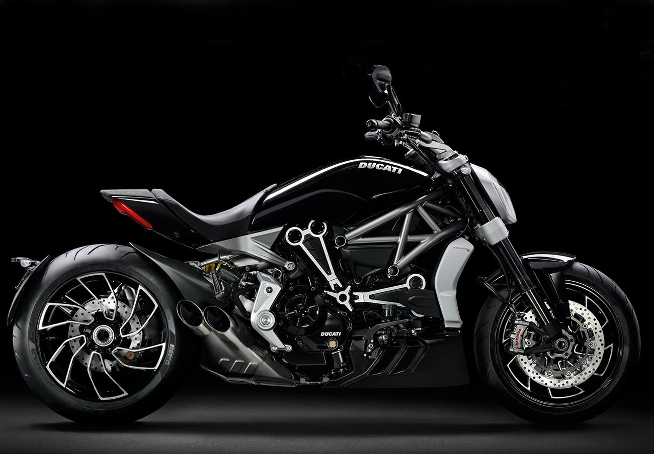 FACUA alerta de la llamada a revisión de las motocicletas Ducati Xdiavel S y 1199 Superleggera