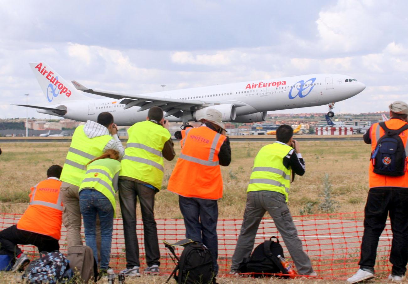 FACUA recomienda a los afectados por la huelga de Air Europa que reclamen la reubicación o devolución