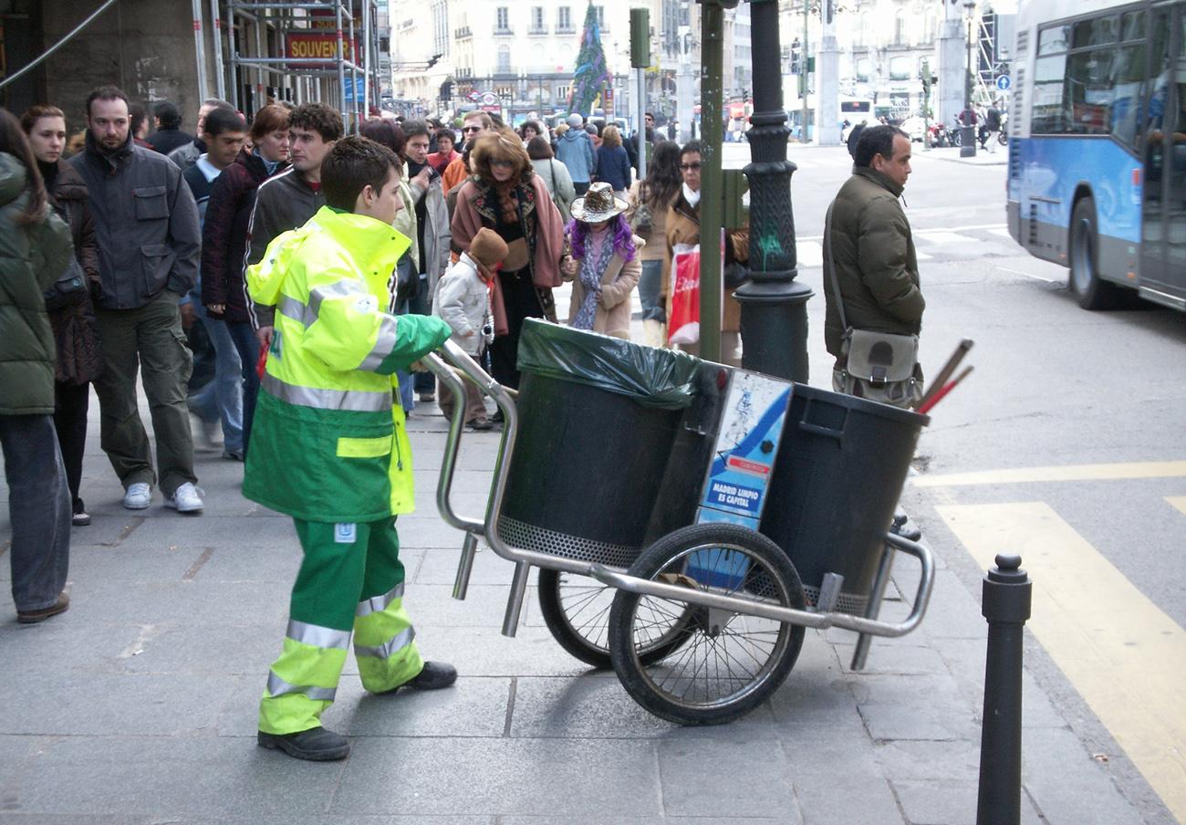 FACUA Madrid reclama al Ayuntamiento mejoras urgentes en el servicio de limpieza y recogida de residuos