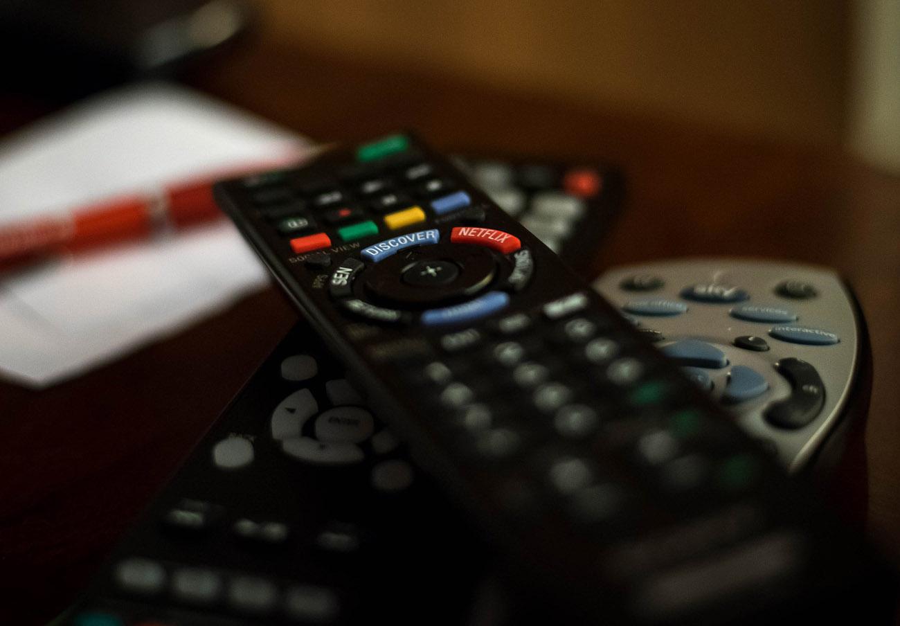 Competencia multa con 64.000 euros a Mediaset por superar los topes de publicidad en Telecinco y Cuatro