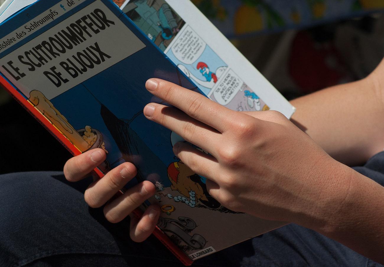 FACUA Córdoba alerta de comerciales que venden libros a precios desorbitados a personas de avanzada edad
