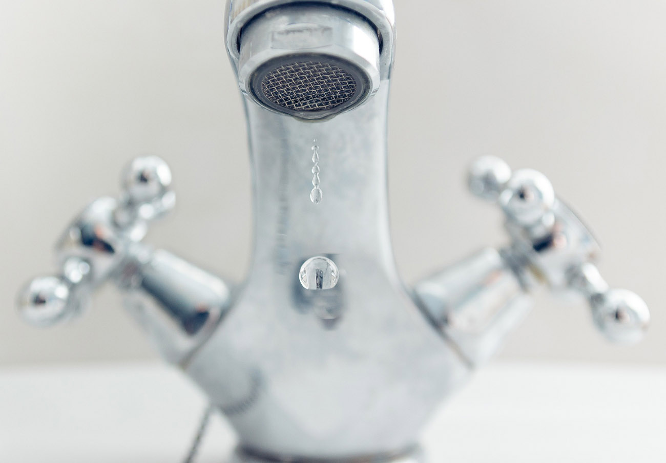 FACUA pide a la Junta que investigue a la empresa que dej� una semana sin agua a una pedan�a de Granada
