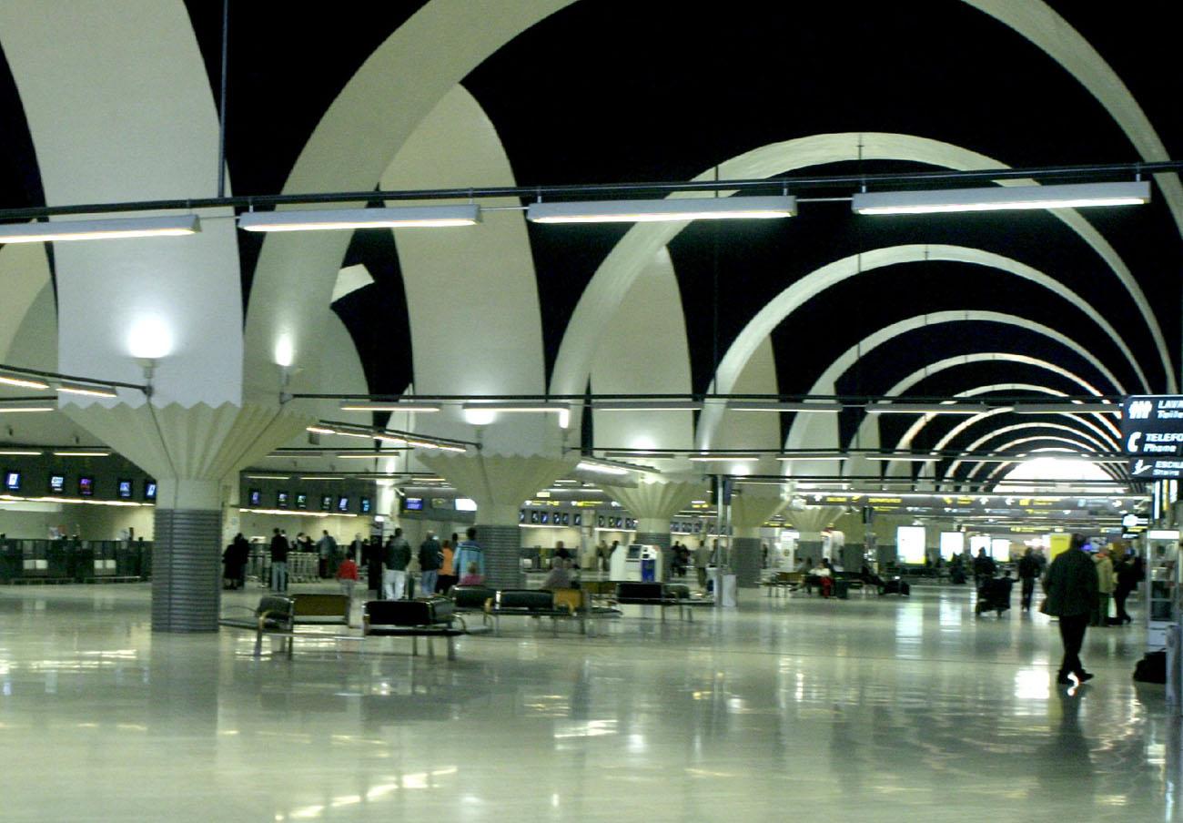 FACUA pide a AENA que garantice la seguridad del aeropuerto de Sevilla durante la huelga de bomberos