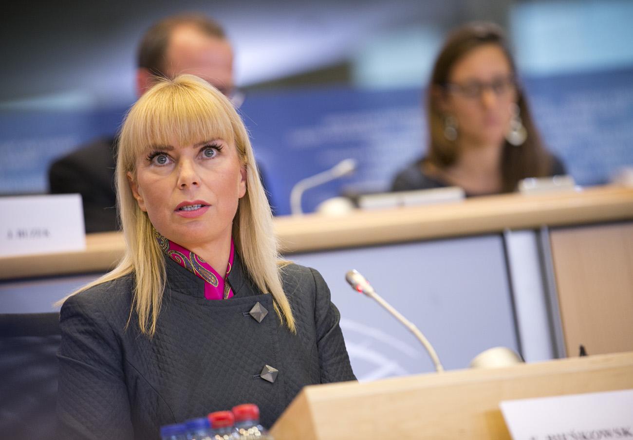 La comisaria europea de Comercio contradice a la de Consumo ...