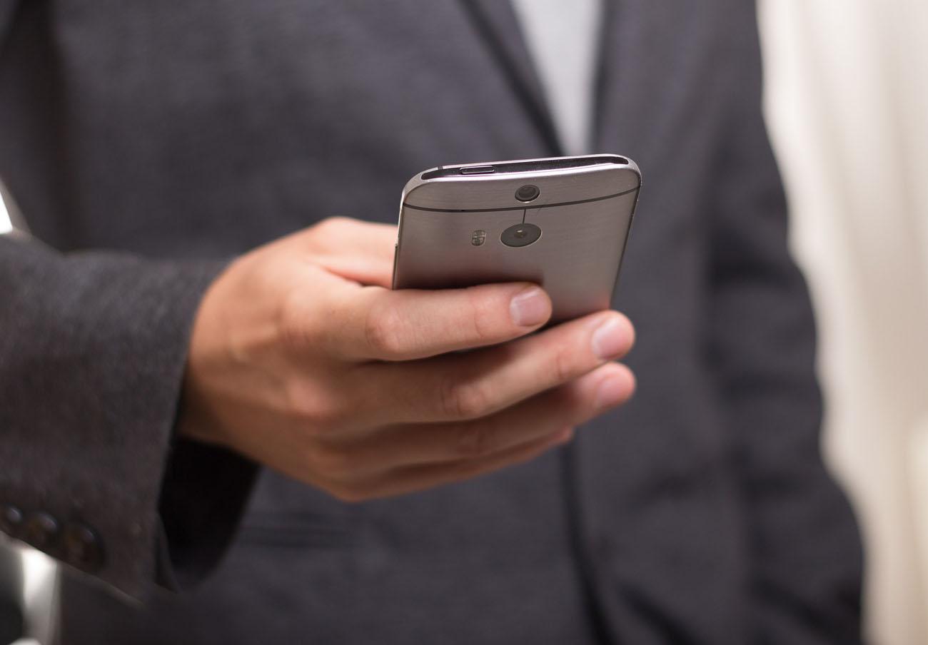 """FACUA critica que Bruselas plantee nuevas restricciones al 'roaming' y acuse a los usuarios de """"abusar"""""""