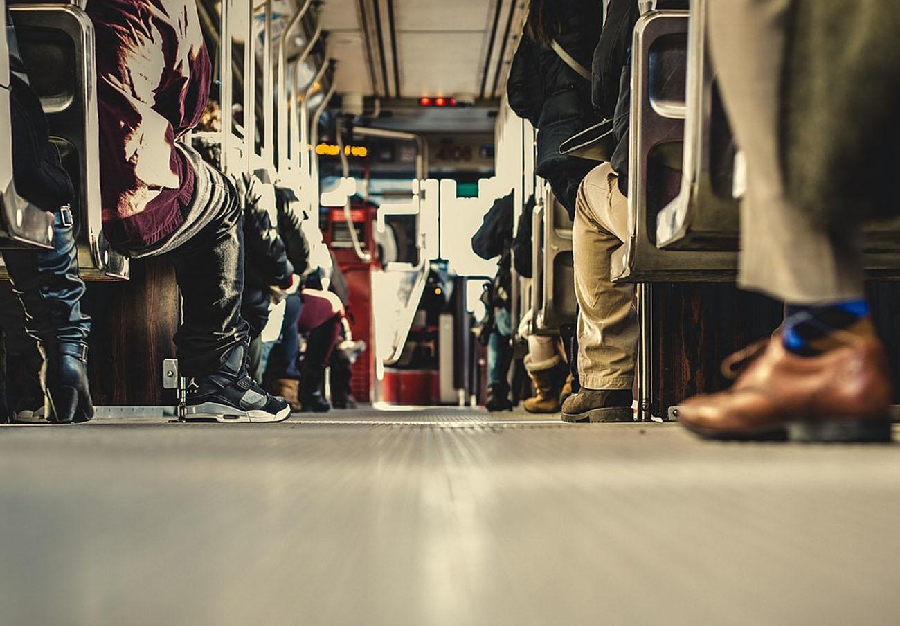 FACUA Granada pide al Ayuntamiento que escuche a los consumidores de cara a los cambios en el bus urbano