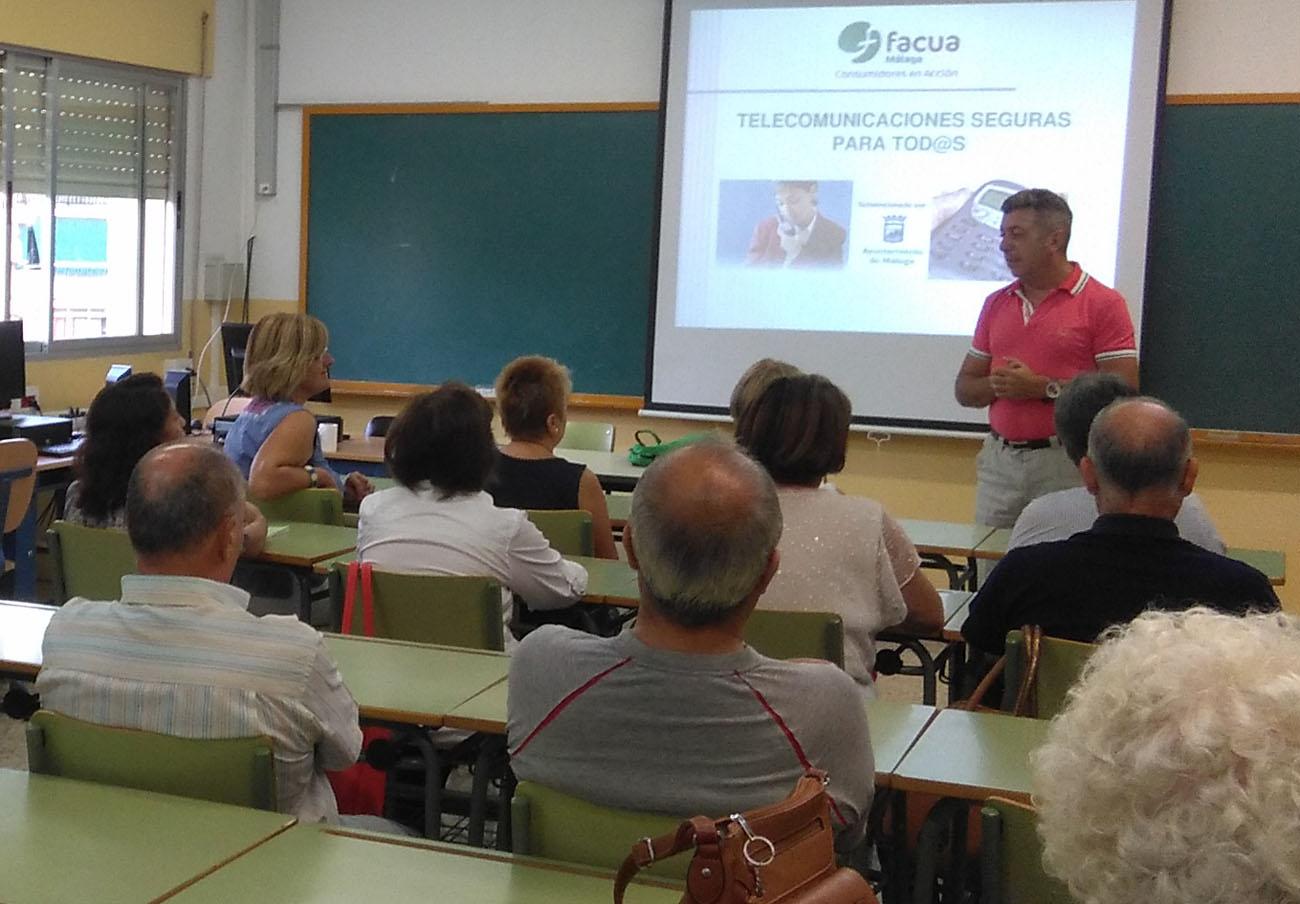 FACUA Málaga pone en marcha su programa 'Telecomunicaciones seguras para tod@s' en la capital