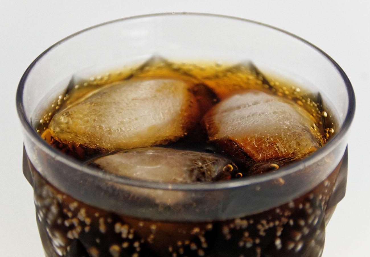 La OMS aboga por subir un 20% los impuestos sobre las bebidas azucaradas