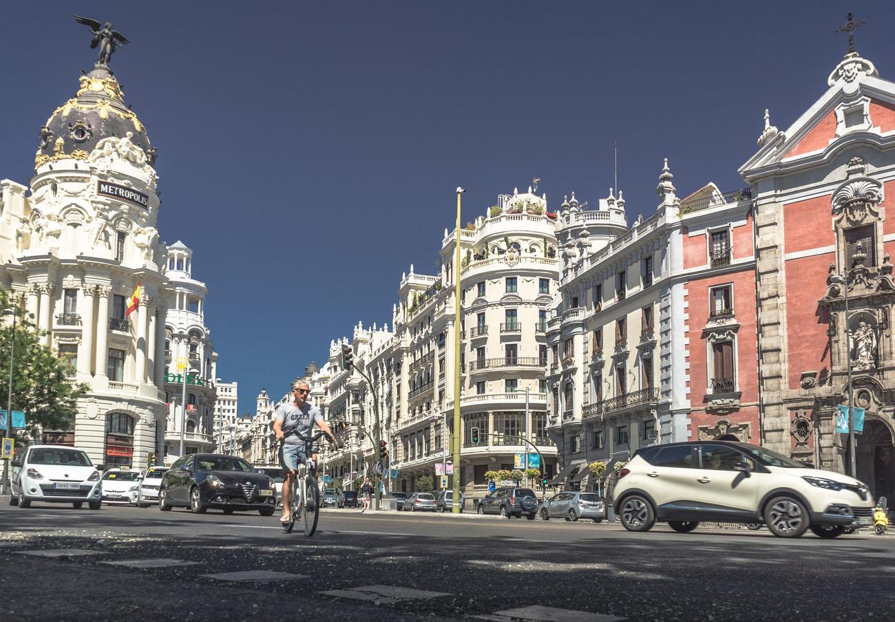 FACUA Madrid reclama refuerzos en el transporte público ante el cierre al tráfico de la Gran Vía
