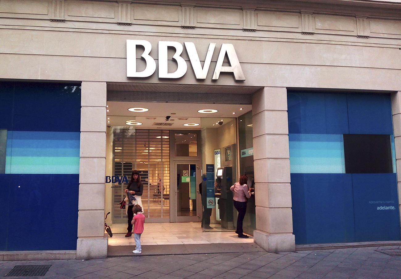 BBVA, Caja Rural y Unicaja, los bancos más denunciados por los usuarios en FACUA en el último año