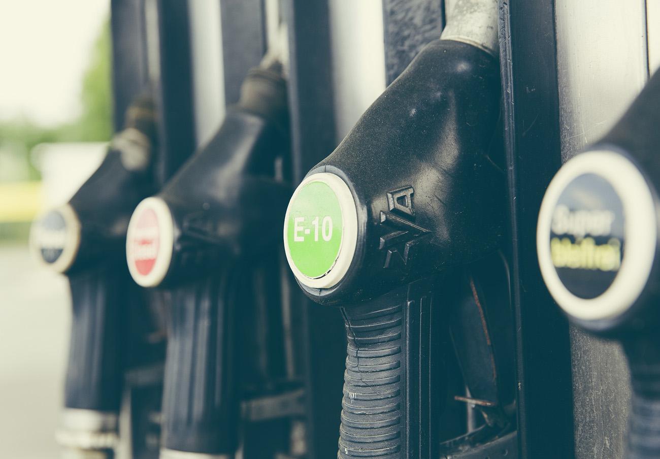 La CNMC multa a dos gasolineras de Ourense y Las Palmas por no informar sobre sus precios
