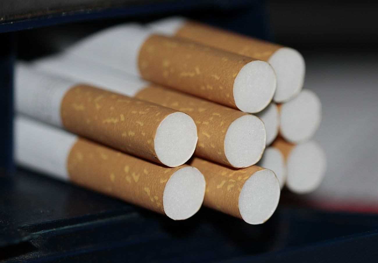 FACUA denuncia a la web Jinnapp por vender tabaco a través de internet, práctica prohibida por ley