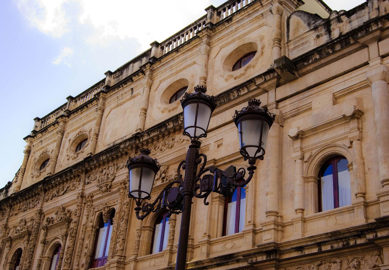 FACUA Sevilla critica la escasa partida para la protección del consumidor en los presupuestos municipales