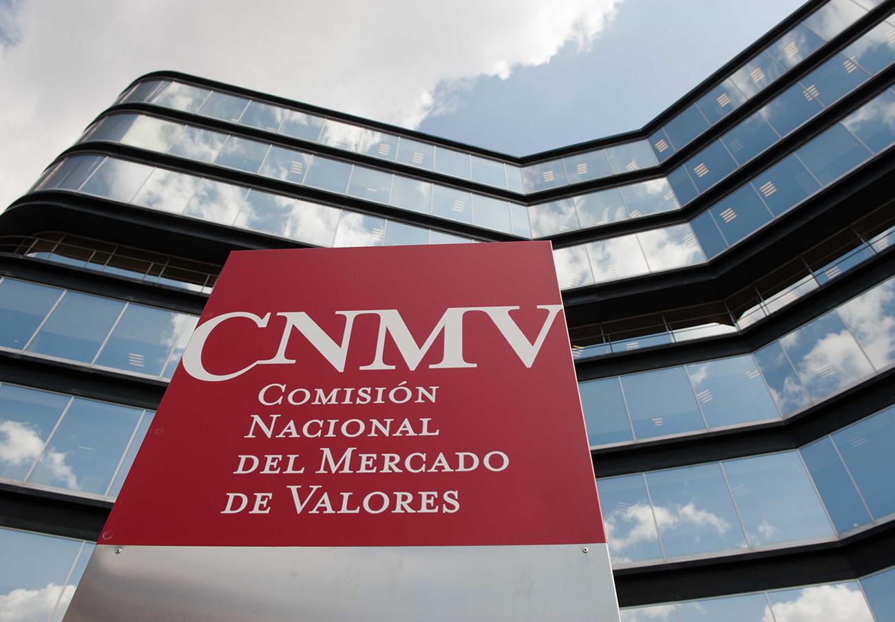 La CNMV multa de 900.000 euros a Popular Banca Privada por cobrar comisiones indebidas