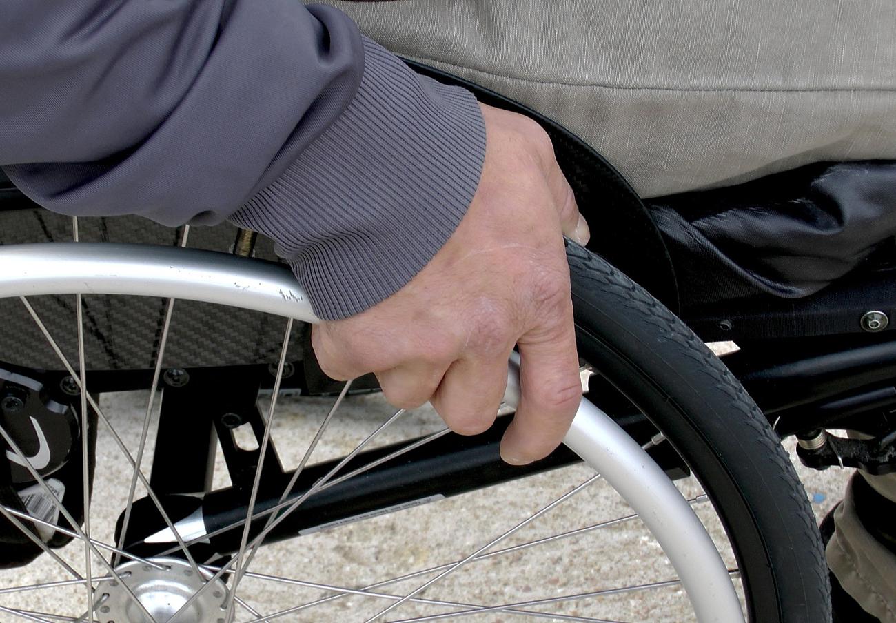 FACUA Madrid logra que un juez anule la compraventa de una silla de ruedas tras averiarse siete veces
