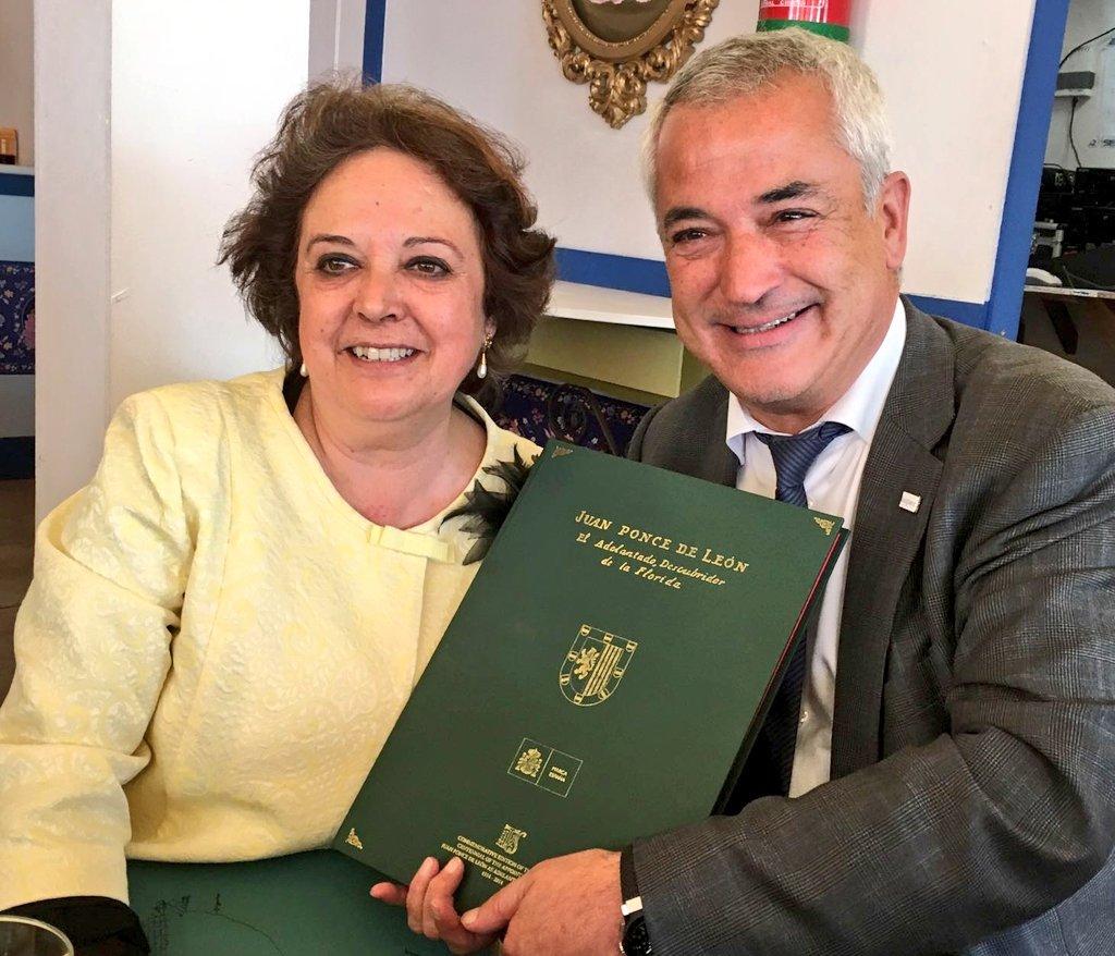 El Ayuntamiento de Sevilla mantiene a Ausbanc en su registro de asociaciones de consumidores