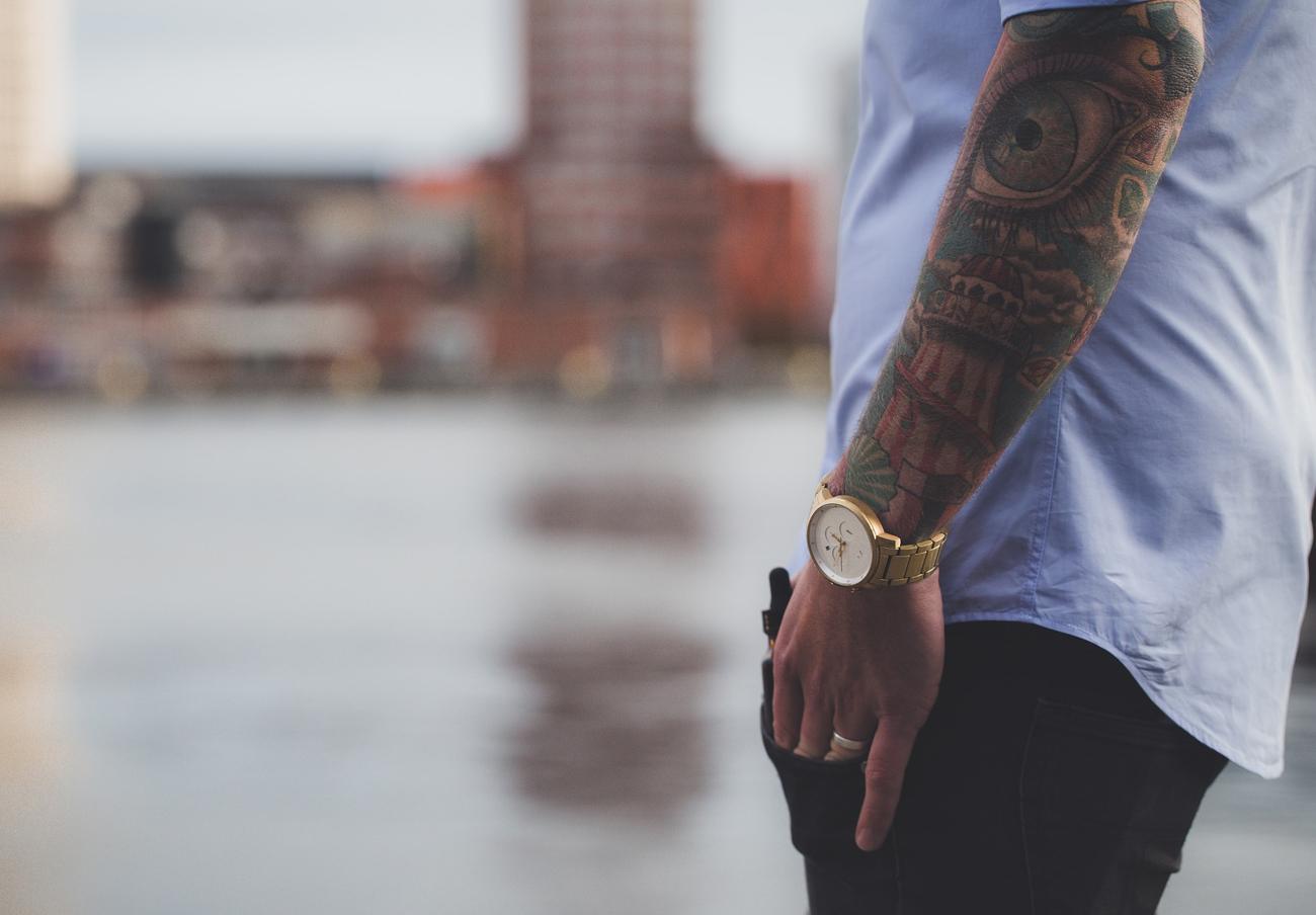 Europa alerta de que la tinta de los tatuajes puede liberar sustancias cancerígenas