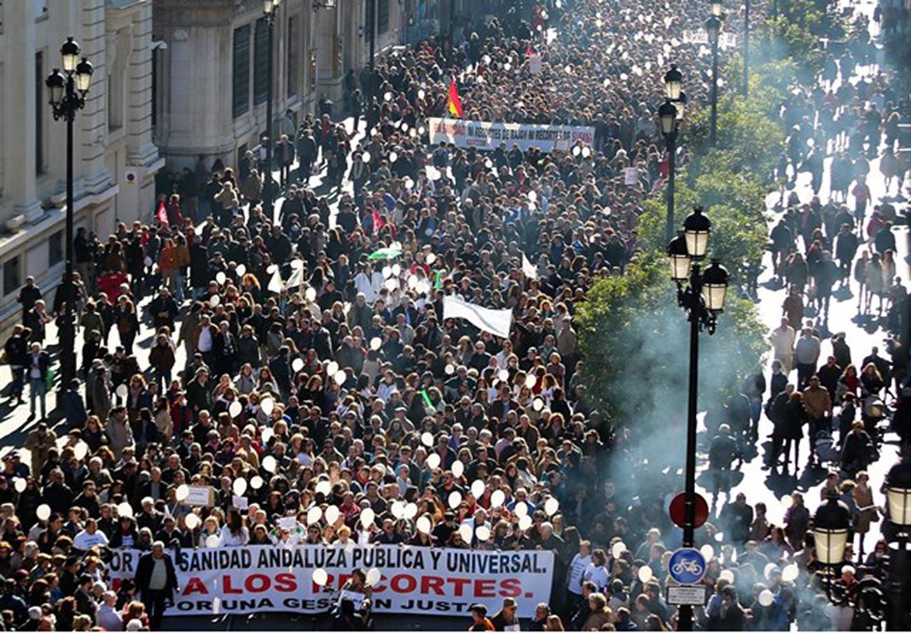 La marea blanca de Sevilla convoca una gran movilización para el próximo 28 de febrero