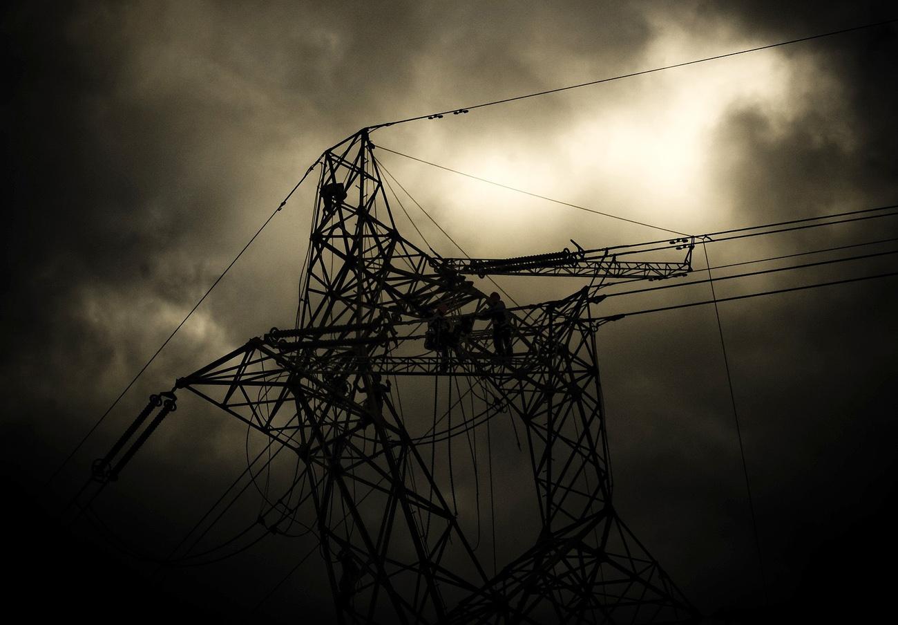 FACUA Galicia reclama a las eléctricas mejoras en sus instalaciones para evitar más cortes masivos de luz